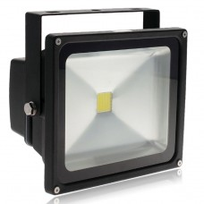 30W LED FLOOD LIGHT IN COOL WHITE