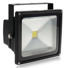30W LED FLOOD LIGHT IN COOL WHITE