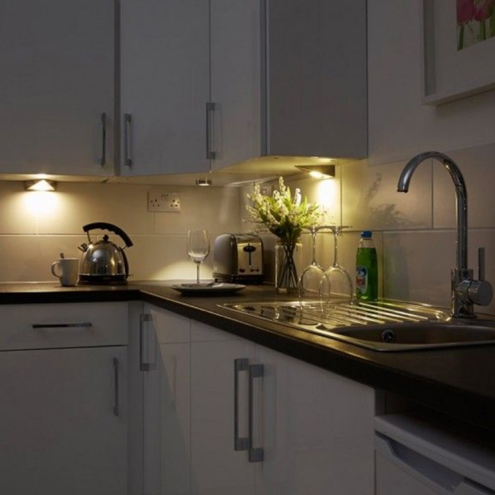 kitchen under cabinet lighting uk kitchen cabinet triangle led light in warm white 3200k 8684