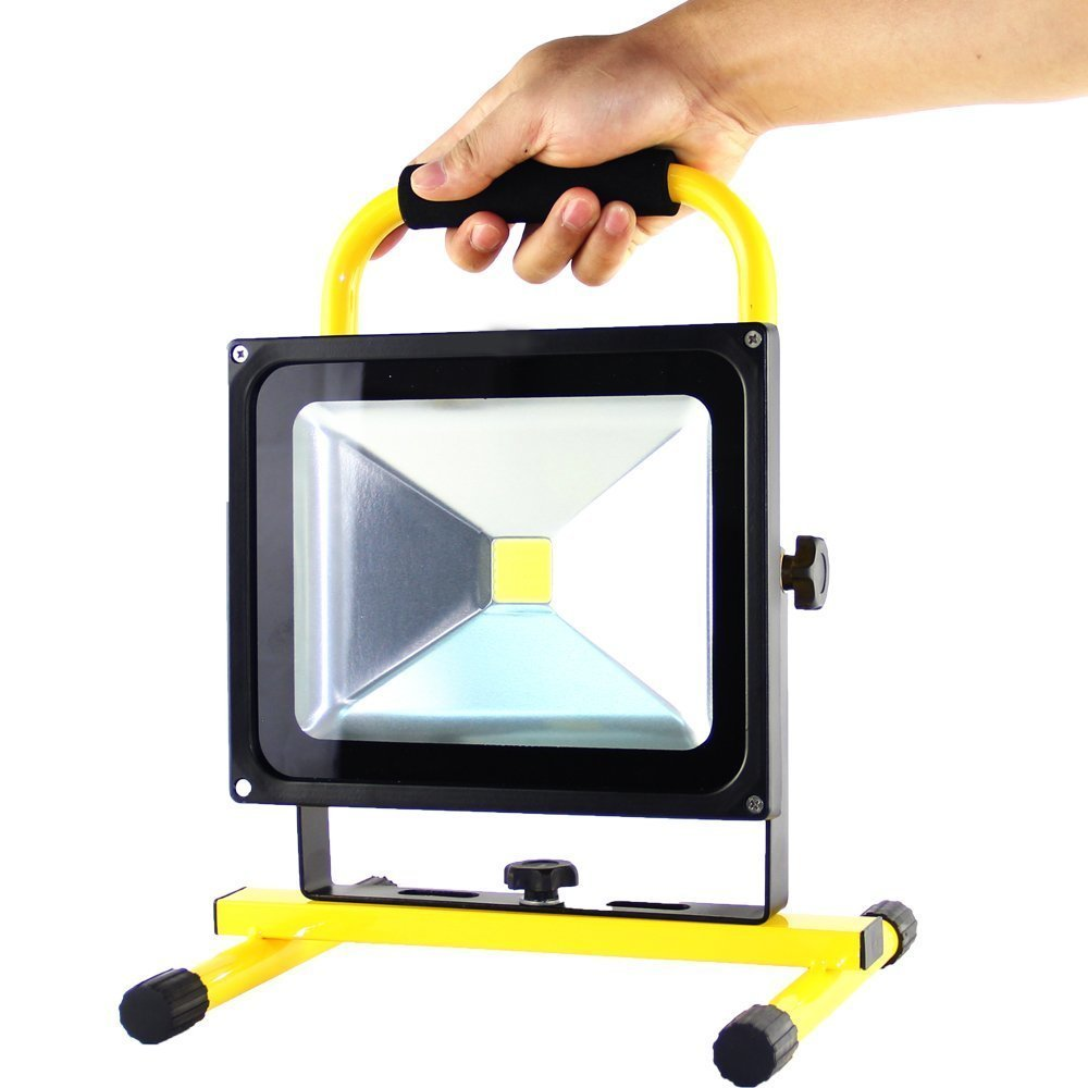30w Led Portable Rechargeable Flood Light With Bracket In